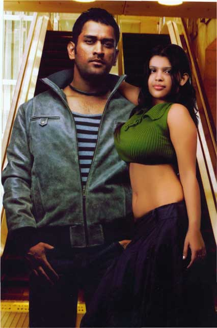 Dhoni and Aish Ansari