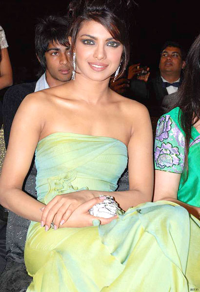 Making all the other girls green (with envy) Priyanka Chopra.