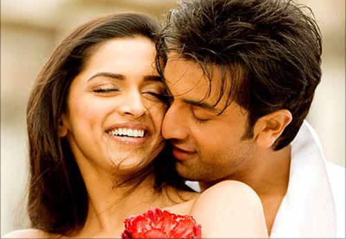 Deepika Padukone veut se fiancer à Ranbir Kapoor mais celui-ci hésite