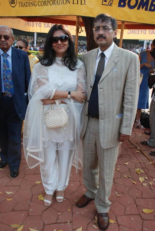 Mr & Mrs Vivek Jain