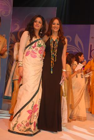 Mona Singh and Rakshandha Khan