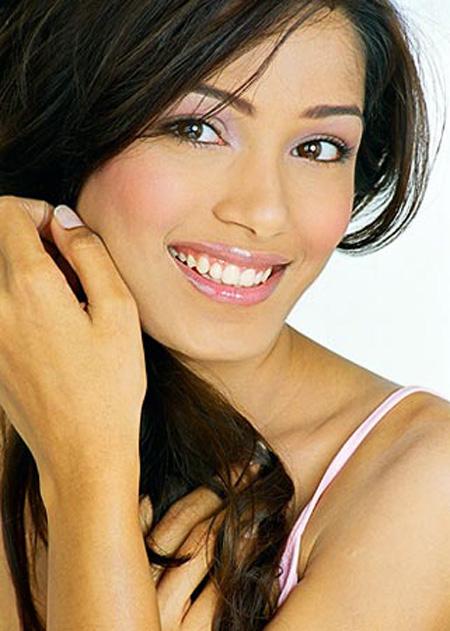 Frieda Pinto