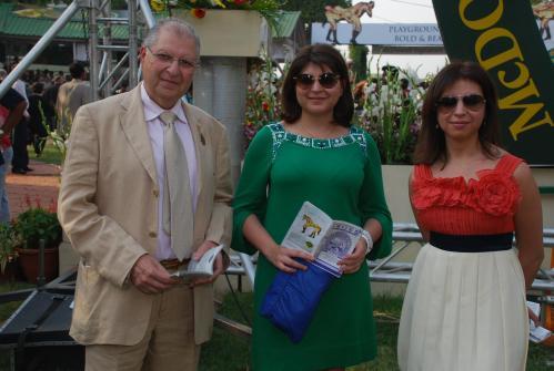 Zavaray Poonawala with daughters Delna and Simone