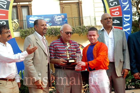 Vivek Jain, Narendra Punj, Kersi Vaccha, Daniel Grant and Arun Kapoor