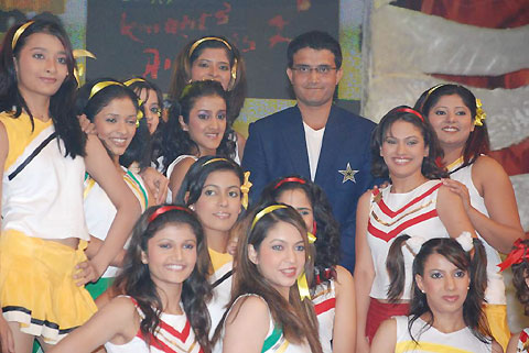 Saurav Ganguly and the contestants