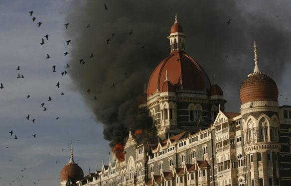 Taj Hotel continues to burn in Mumbai, India, Thursday, Nov. 27, 2008