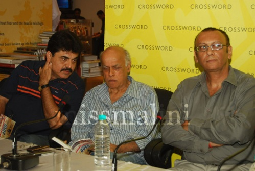 Ashok-Pandit-whispering-his