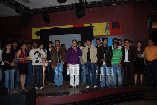 Roshan Abbas with the cast & crew