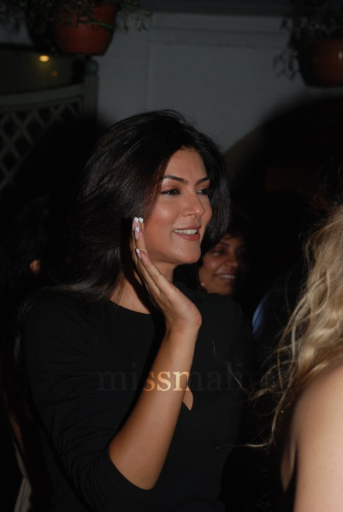 Sushmita Sen (full support!)
