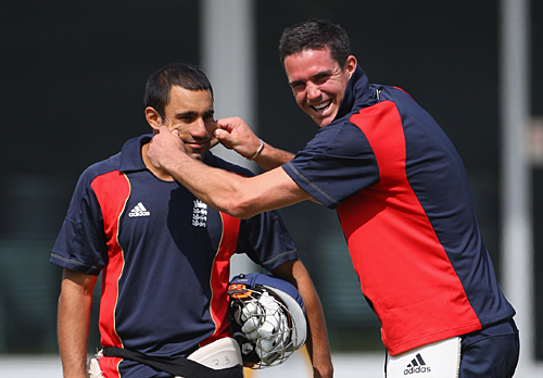 Kevin Pietersen and Ravi Bopara share a light moment, Lord's, June 4, 2009 (image courtesy Getty Images.)