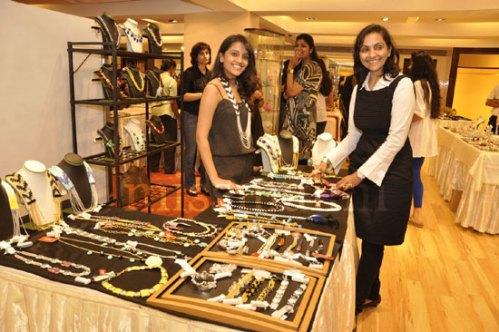 Alka with designer Kruti Savla